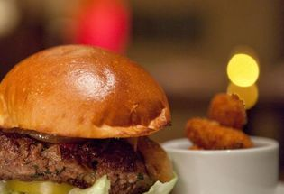 Hugely Expensive Burger Is One Of the Best