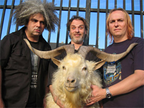 Sure the Melvins are old, but does it look like they've lost their edge? Well, does it?