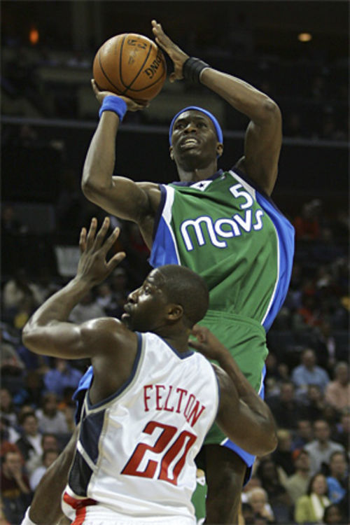 Avery Johnson thinks it's a shame Josh Howard isn't an all-star.