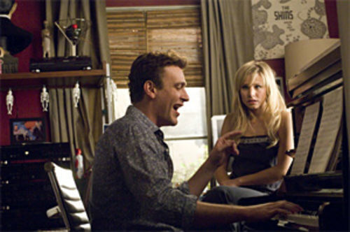 Jason Segel with Kristen Bell, the girl he can't forget.