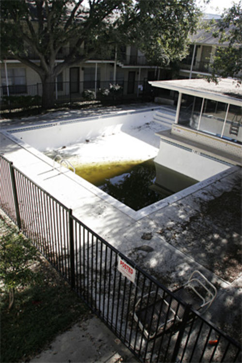 In December 2005, the SMU-controlled homeowners association of University Gardens sold all the condo's units to Peruna Properties, SMU's real estate arm, but the demolition of the complex wasn't complete until 2007.  A swimming pool was of little value to the last remaining occupants of the condominiums before its demolition.