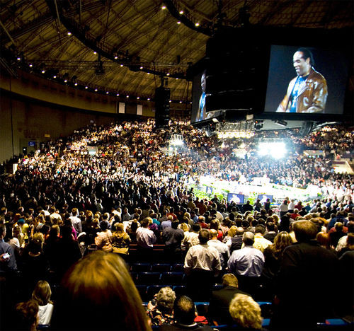 Crowds flocked to the Fort Worth Convention Center for Get Motivated! , a cheerful blend of motivational seminar, celebrity, religion and patriotism—all for the low price of $19.95 for an entire office.