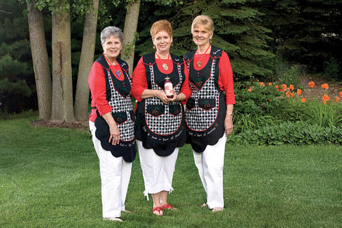 Left to right: Judy Herkner Harmon, Sue Herkner Keegstra, and Lynda Herkner.