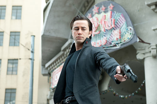 Joseph Gordon-Levitt as a true time-killer.
