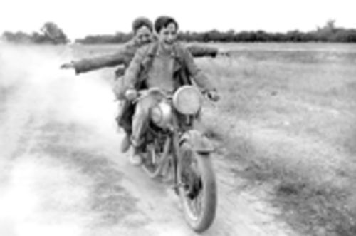 Rodrigo de la Serna and Gael García Bernal motor across South America in the Ché Guevara biopic, The Motorcycle Diaries.