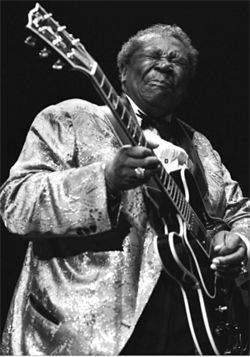 So good it hurts: B.B. King wrings another note from Lucille