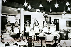 Waitresses at Palmetto Inn's South Padre Island location