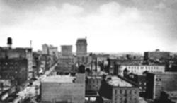 Dallas in 1913, looking west from Field Street. It was on this street where Florence Brown was murdered as she began her workday as a realty company stenographer.