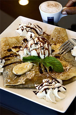 This cr&amp;ecirc;perie has simple but decadent desserts all wrapped up.