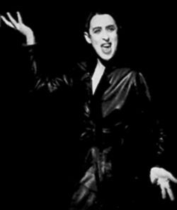 Willkommen, bienvenue, welcome to the thrill-ride world of Alan Cumming, seen here in the 1998 revival of Cabaret.