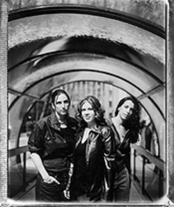 Luscious Jackson's Jill Cuniff (middle) wants everyone to know about this new thing called the Internet.