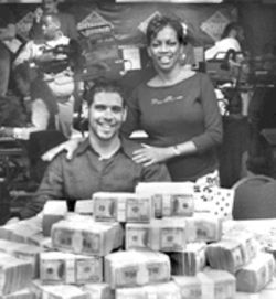 Williams had an ace in the hole at  the WSOP; his mother, Shirley, led his cheering section.