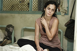 Alice Braga is one of the victims of mysterious blindness.