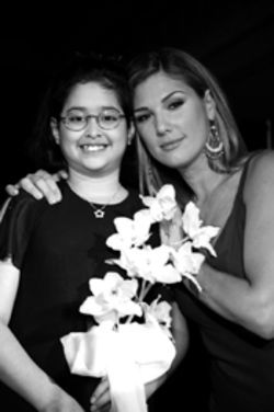 Patient Yiressy with Daisy Fuentes