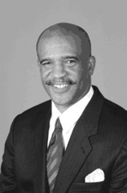 Inside slant: Cowboys legend Drew Pearson gives the XFL legitimacy.