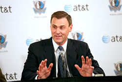 New Mavs coach Rick Carlisle wowed at least one columnist during his introductory press conference.