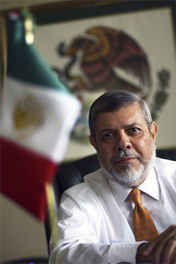 Lawyer Robert Lyons claimed that he was owed a piece of a $2 million fee collected by a rival lawyer in a case stemming from the accidental death of a Mexican truck driver in Dallas. His lawsuit would lead to allegations of kickbacks and corruption at Dallas' Mexican Consulate, charges denied by Mexican Consul General Enrique Hubbard Urrea.