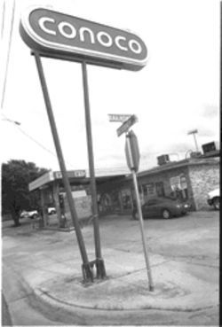 The gas station and convenience store where Kelli Cox used a pay phone. It was the last anyone ever heard from her.
