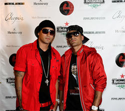 Skillz (left) and Play posing for the cameras on the red carpet