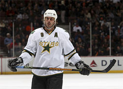 Mike Modano and the Dallas Stars are winning, but is that enough to keep their fan base from waning?