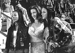 Houston-born and Waco-bred Shannon Elizabeth, center, stars in Scary Movie. And she's very good in it. That's all we have to say.