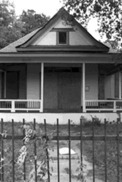 The James H. and Molly Ellis House is one of South Dallas&#039; most prized homes, but it sits in danger of demolition while its owners decide what to do with the 100-year-old estate.