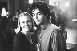 Melissa Joan Hart and Adrian Grenier are just so damned cute. Don't you want to hurt them?