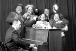 Darius Frowner (at piano), Ken Prymus, Liz Mikel, Janeece Aisha Freeman, Dwayne Clark and Dioni Michelle Collins don't take themselves too seriously in DTC's Ain't Misbehavin'.